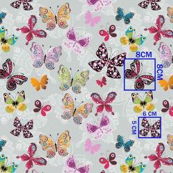 Kolorowe motylki na szarym...